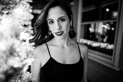 #holidayparty #availablelight #therightlipstickmatters #portraiture #casualheadshot