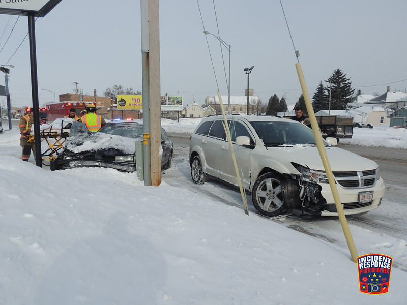 Two-vehicle crash with injuries in the 1600 block of Calumet Drive in Sheboygan, Wisconsin on Thursday, January 2, 2014. Photo by Asher Heimermann/Incident Response.