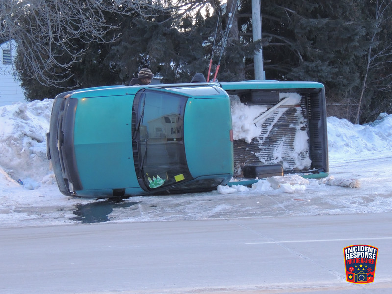 Single vehicle rollover crash in the 2000 block of Calumet Drive in Sheboygan, Wisconsin on Tuesday, January 21, 2014. Photo by Asher Heimermann/Incident Response.