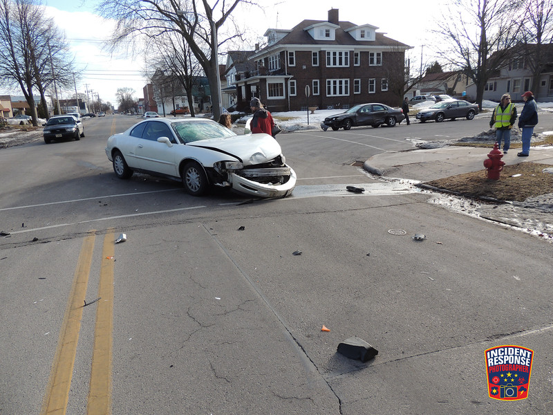 Multi-vehicle crash at North 9th Street & Huron Avenue in Sheboygan, Wisconsin on Friday, March 14, 2014. Photo by Asher Heimermann/Incident Response.
