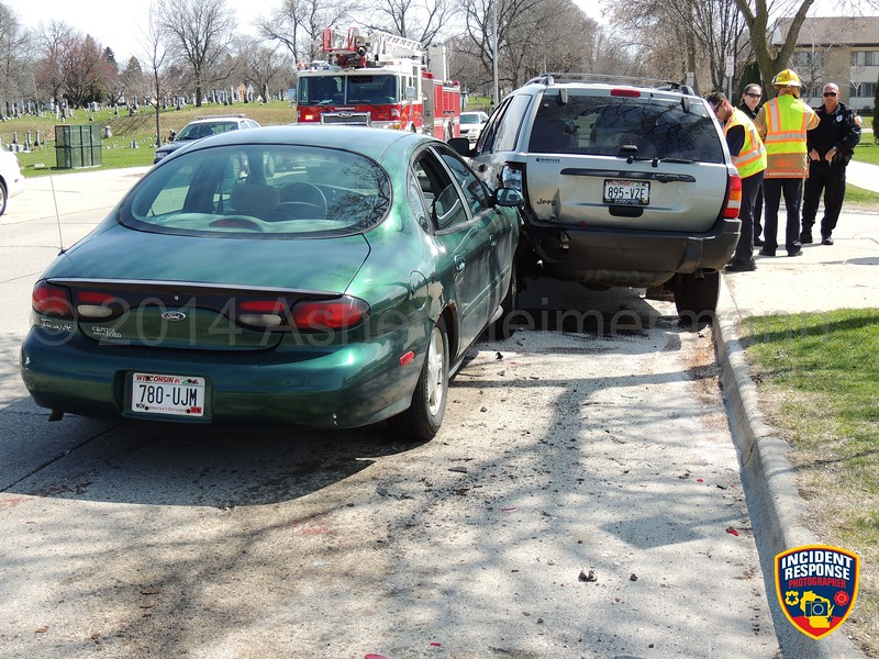 Two-vehicle accident in the 2900 block of North 10th Street in Sheboygan, Wisconsin on Monday, May 5, 2014. Photo by Asher Heimermann/Incident Response.