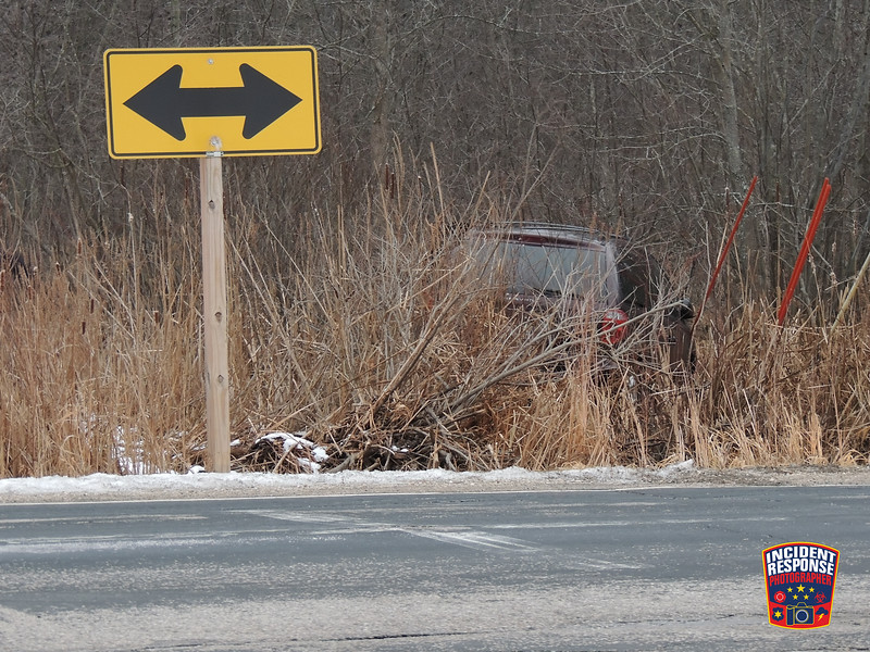 Single vehicle crash at Lakeshore Drive & Weeden Creek Road in the Town of Wilson, Wisconsin on Sunday, November 30, 2014. Photo by Asher Heimermann/Incident Response.