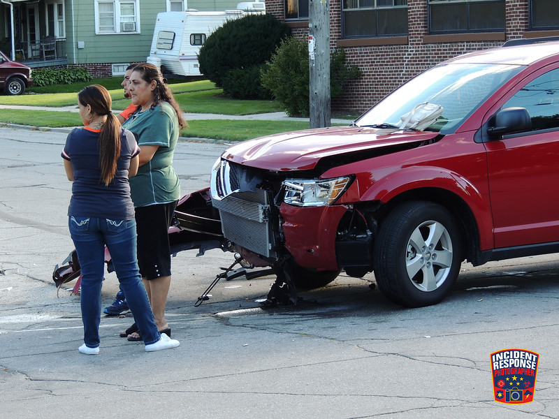 Two vehicle hit-and-run crash at South 10th Street & Kentucky Avenue in Sheboygan, Wisconsin on Sunday, September 13, 2015. Photo by Asher Heimermann/Incident Response.