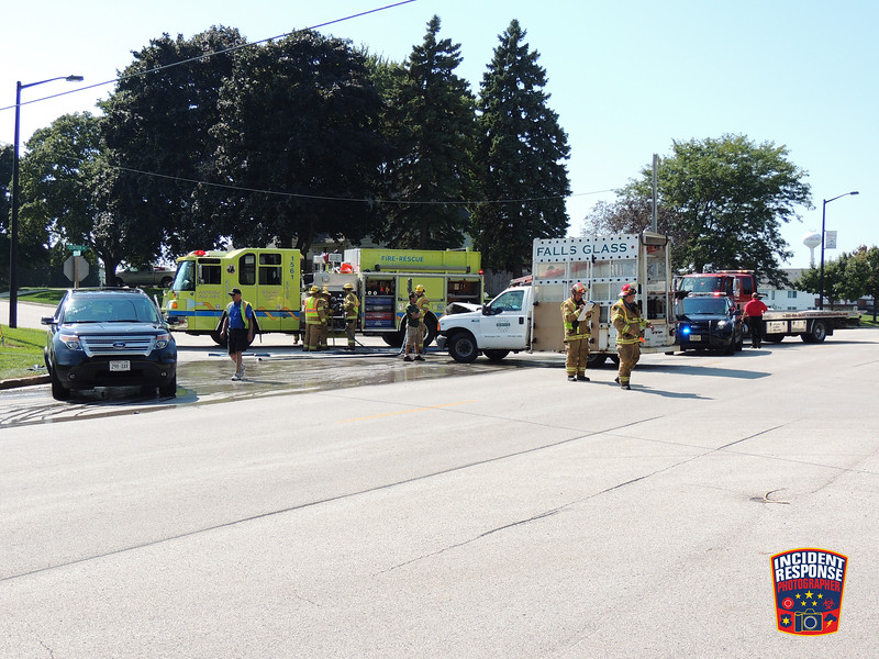 Two-vehicle injury crash at Sauk Trail Road & Center Avenue in Oostburg, Wisconsin on Wednesday, September 16, 2015. Photo by Asher Heimermann/Incident Response.