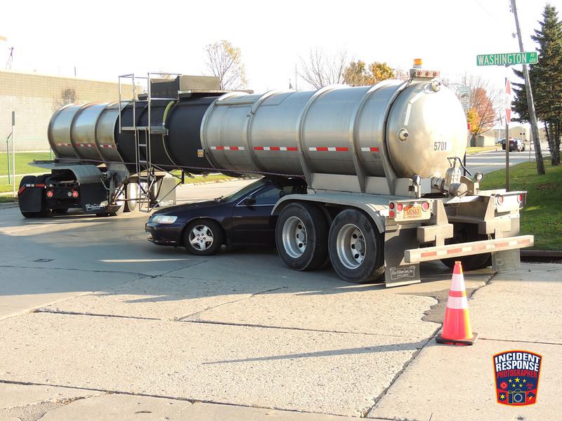 Semi vs. car crash at Lakeshore Drive & Washington Avenue in Sheboygan, Wisconsin on Thursday, October 22, 2015. Photo by Asher Heimermann/Incident Response.