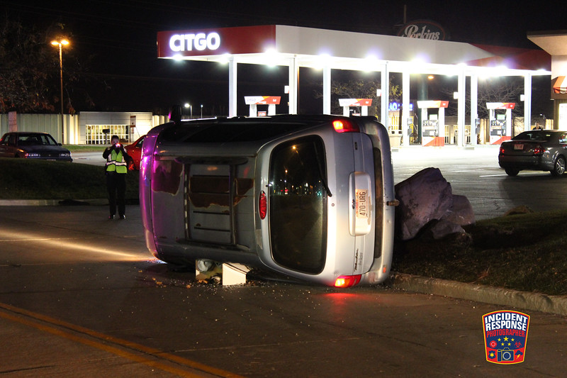 Single vehicle rollover crash on South Taylor Drive Frontage Road near Washington Avenue in Sheboygan, Wisconsin on Friday, November 13, 2015. Photo by Asher Heimermann/Incident Response.