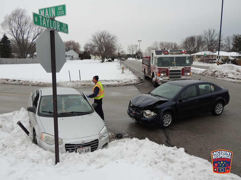 Two-vehicle crash at North Taylor Drive & Main Avenue in Sheboygan, Wisconsin on Thursday, January 7, 2016. Photo by Asher Heimermann/Incident Response.