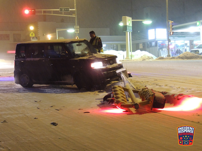 Single vehicle crash involving a traffic signal at South 14th Street & Indiana Avenue in Sheboygan, Wisconsin on Monday, January 11, 2016. Photo by Asher Heimermann/Incident Response.