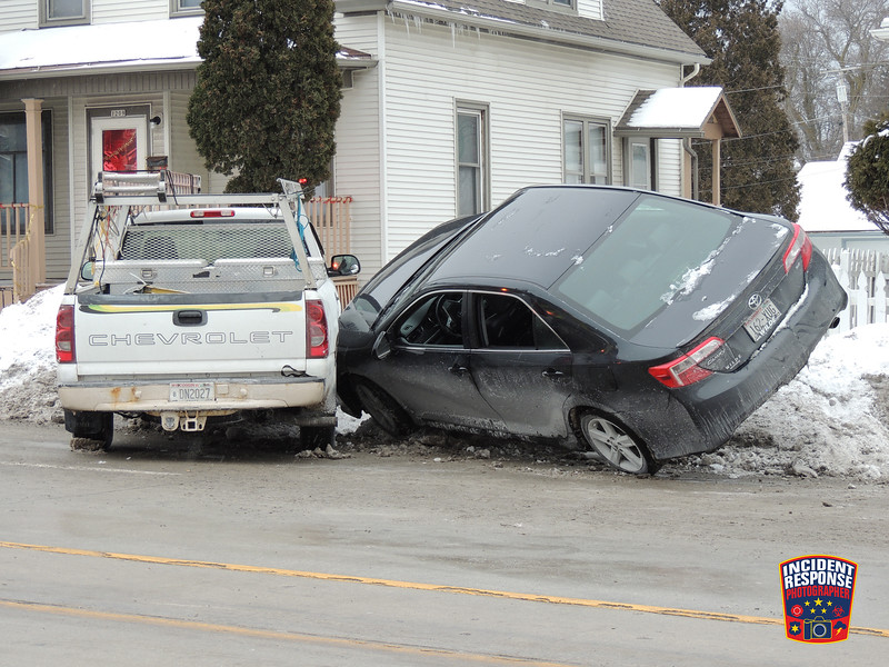 Two-vehicle crash in the 1200 block of North 14th Street in Sheboygan, Wisconsin on Wednesday, January 13, 2016. Photo by Asher Heimermann/Incident Response.