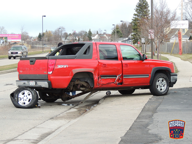 Three-vehicle crash with injuries at South Business Drive & Union Avenue in Sheboygan, Wisconsin on Wednesday, March 16, 2016. Photo by Asher Heimermann/Incident Response.