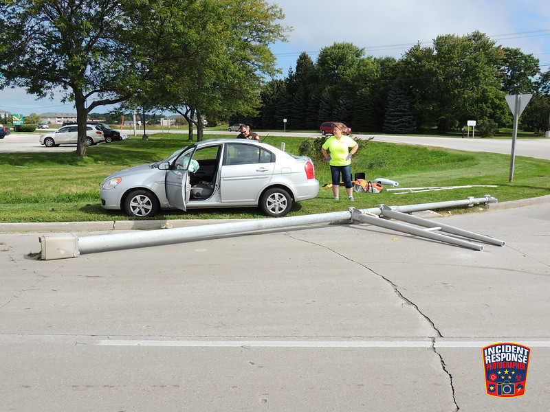 Single vehicle crash involving a traffic traffic signal at Highway 42 & County Road J in Sheboygan, Wisconsin on Thursday, September 29, 2016. Photo by Asher Heimermann/Incident Response.