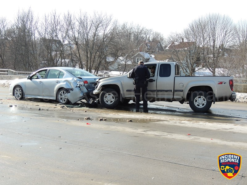 Three vehicle accident with injuries on South 14th Street at Alabama Avenue in Sheboygan, Wisconsin on Saturday, January 14, 2017. Photo by Asher Heimermann/Incident Response.