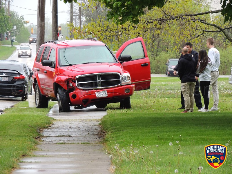 Two-vehicle crash in the 1900 block of Washington Avenue in Sheboygan, Wisconsin on Saturday, May 20, 2017. Photo by Asher Heimermann/Incident Response.