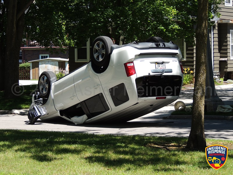Single vehicle rollover accident in the 500 block of Roosevelt Road in Kohler, Wisconsin on Monday, July 24, 2017. Photo by Asher Heimermann/Incident Response.