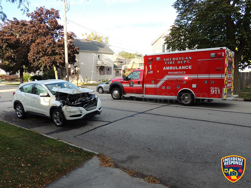 Two-vehicle accident at North 4th Street & Niagara Avenue in Sheboygan, Wisconsin on Sunday, October 1, 2017. Photo by Asher Heimermann/Incident Response.