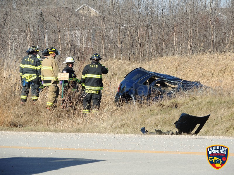 Single vehicle rollover accident with injuries in the 2900 block of Enterprise Drive in the Town of Sheboygan, Wisconsin on Sunday, November 26, 2017. Photo by Asher Heimermann/Incident Response.