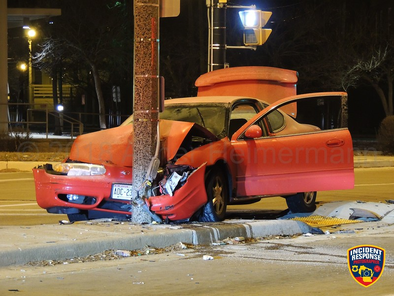 Single-vehicle accident involving a traffic light at West Lisbon Avenue & North Sherman Blvd in Milwaukee, Wisconsin on Saturday, December 8, 2018. Photo by Asher Heimermann/Incident Response.