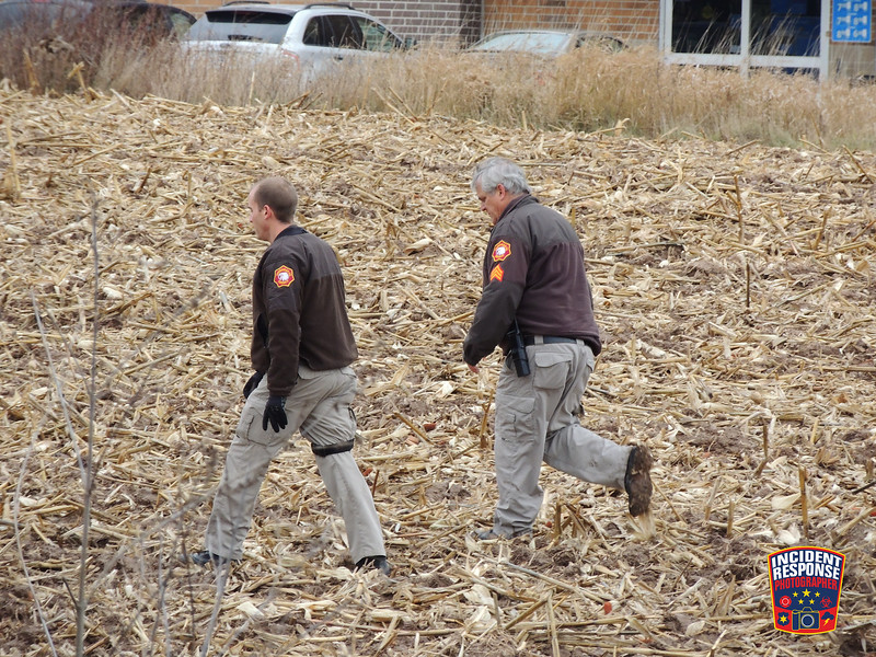 Deputies from the Sheboygan County Sheriff's Office search for a suspect near Walmart on South Taylor Drive in Sheboygan, Wisconsin on December 2, 2016. Photo by Asher Heimermann/Incident Response.