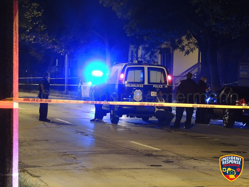 A 28-year-old man was shot and injured in the 2500 block of North 8th Street in Milwaukee, Wisconsin on Monday, August 13, 2018. Photo by Asher Heimermann/Incident Response.