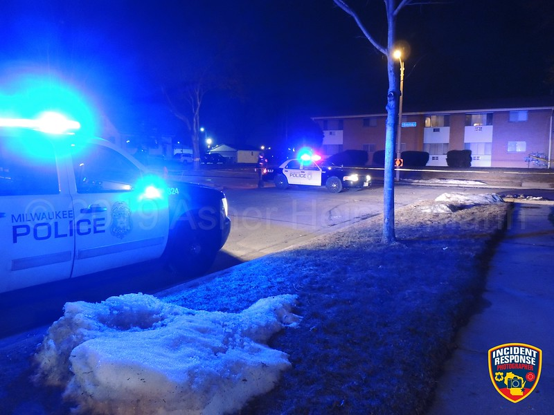 A 50-year-old man was shot and injured near North 29th Street & Bobolink Avenue in Milwaukee, Wisconsin on Wednesday, March 20, 2019. Photo by Asher Heimermann/Incident Response.