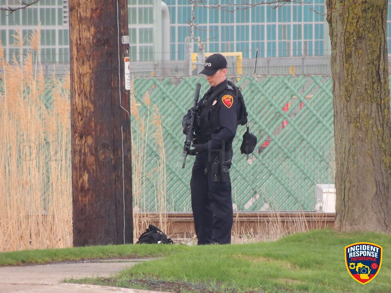 Sheboygan Police searching for an individual at Manning Lighting in Sheboygan, Wisconsin on Wednesday, May 9, 2018. Photo by Asher Heimermann/Incident Response.