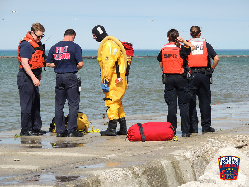 Three people were swept away by a wave into Lake Michigan on South Pier in Sheboygan, Wisconsin on Sunday, July 17, 2016. Photo by Asher Heimermann/Incident Response.