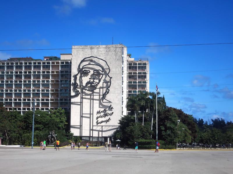 Che on a building, Havana. Image by Jose Figueroa. (c) 2015