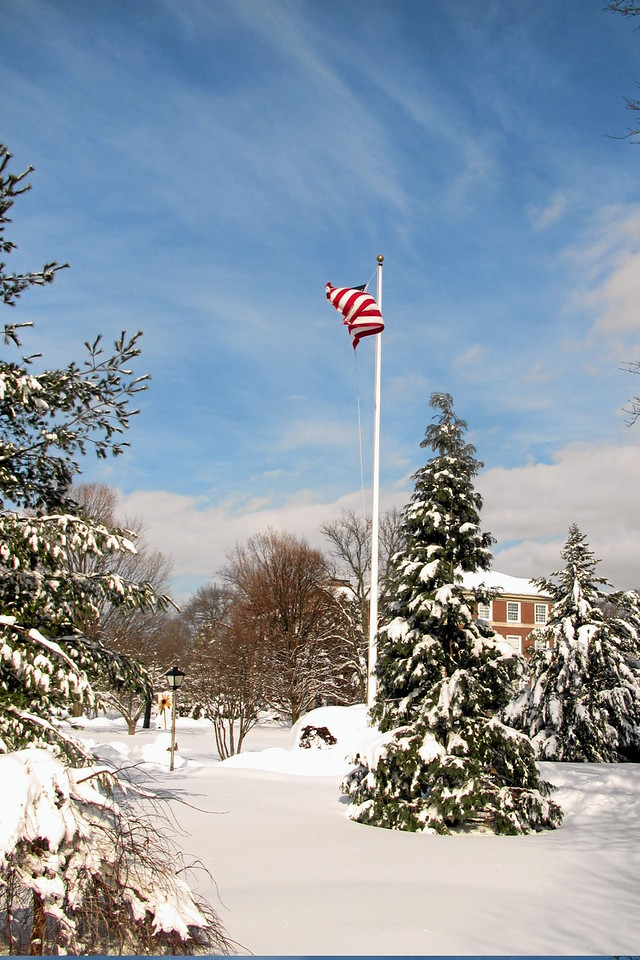 Campus flag with snow (c)2014