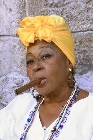 Woman with cigar, Plaza de la Catedral, Old Havana (c)2015