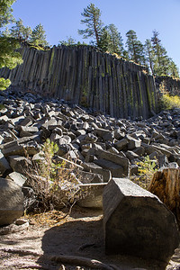 Columnar basalt at Devil's Postpile National Monument.