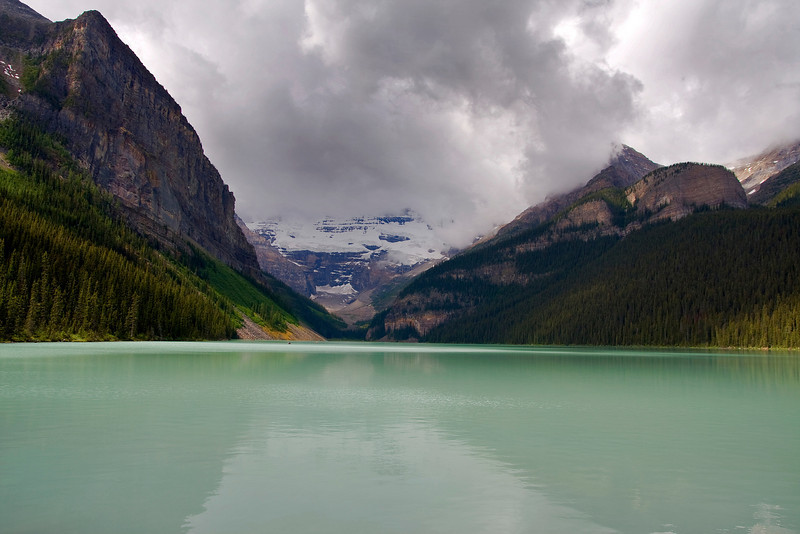 The weather didn't co-operate today while we where in Lake Louise, but that didn't stop me from taking a few photos.