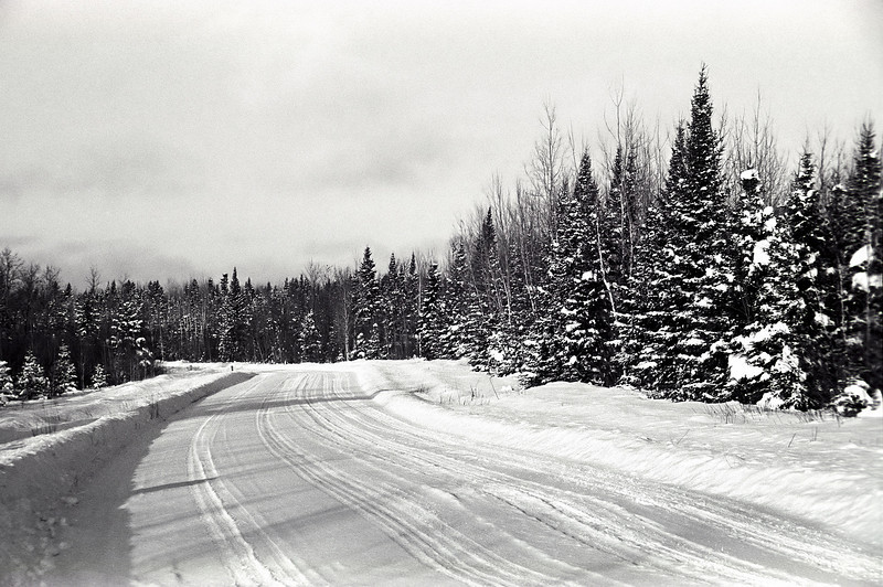 Out for a drive along highway 594 west of Dryden to test my Voighander Vito B (circa 1954) on a cold January day.<br /> <br /> Ilford HP5+ Developed in Kodak D76 for 8.25 minutes at 19C.