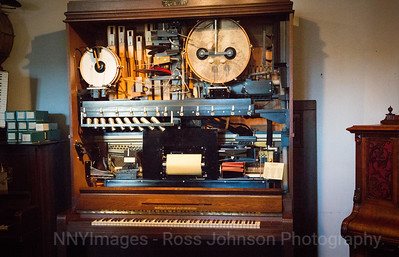 5D321375  Ruedsheim, Germany - Siegfried's Mechanical Musical Cabinets