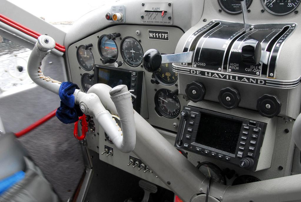 Island Wings DeHavilland Beaver cockpit.