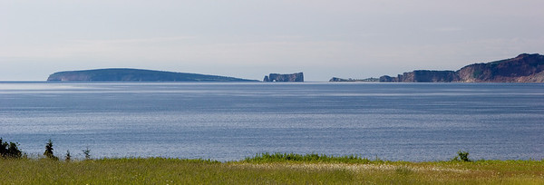 Rocher Percé Panorama                                                  Ile Bonaventure and Pierced Rock National Park and Percé Town, Gaspesie, Quebec, Canada