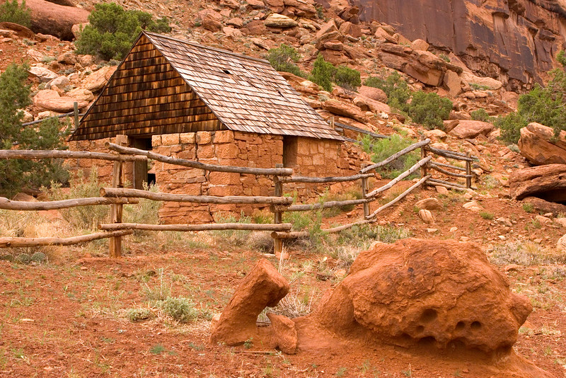 Capt. H.A. Smith's cabin in Escalante Canyon, Utah.  May 2005
