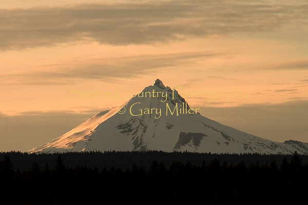 Sisters Country - Photos of the Sisters, Oregon Country - The sun setting on Mt. Jefferson