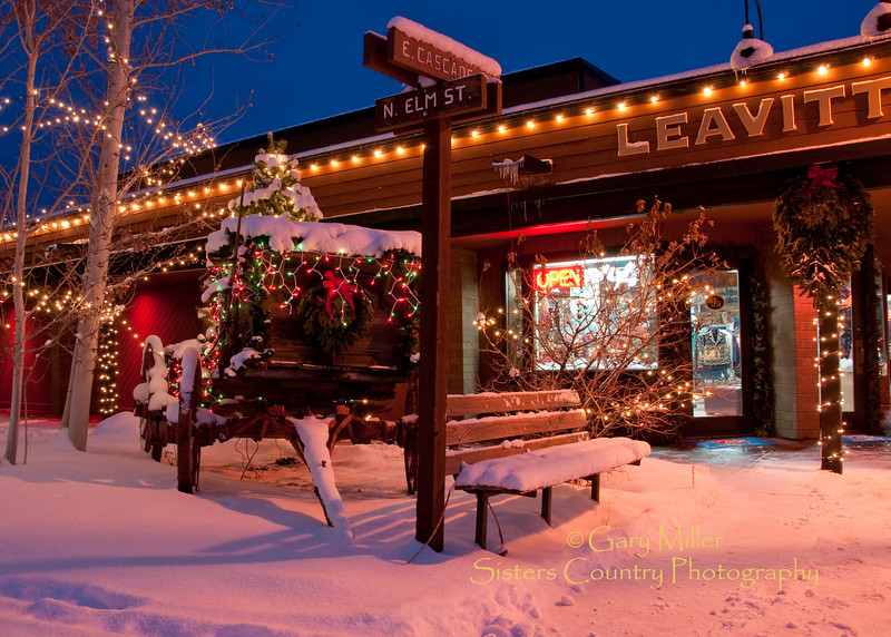 Leavitt's Wagon celebrates Christmas