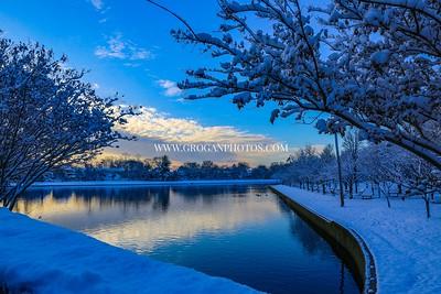 Hendrickson park first snowfall: Valley Stream ny 12/9/17