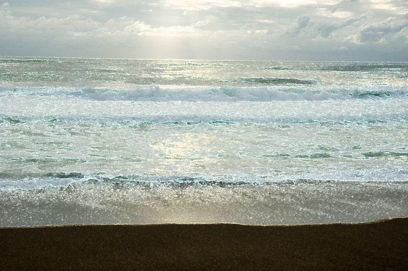ND70_2005-07-09DSC_1536-SunRaysOnOcean-AccentedEdges-2