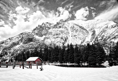Red Shed in Black & White Mountains