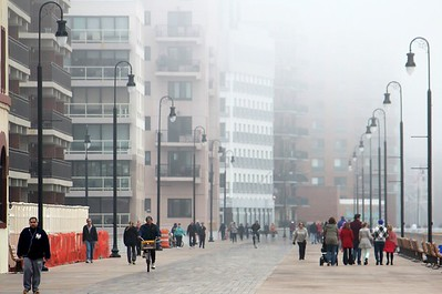 Foggy day on Long Beach boardwalk