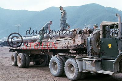 VietNam1970-1-43 175 barrels SSgt Murphy, Sgt Kelly