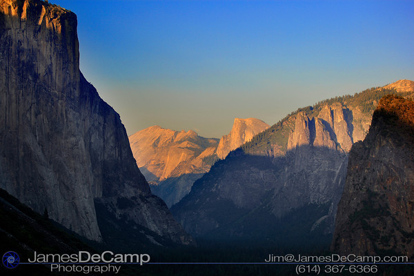 Overlooking Yosemite Valley (© James D. DeCamp | http://www.JamesDeCamp.com | 614-367-6366)