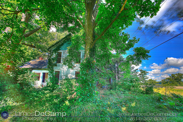 Abandonded house on National Road near Etna, Ohio Thursday Morning August 13, 2009. (© James D. DeCamp | http://www.JamesDeCamp.com | 614-367-6366)