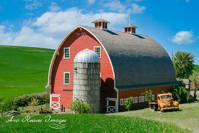 Classic Red Barn