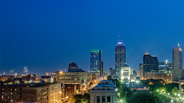 USA, Indiana.  Fireworks display in downtown Indianapolis at night.