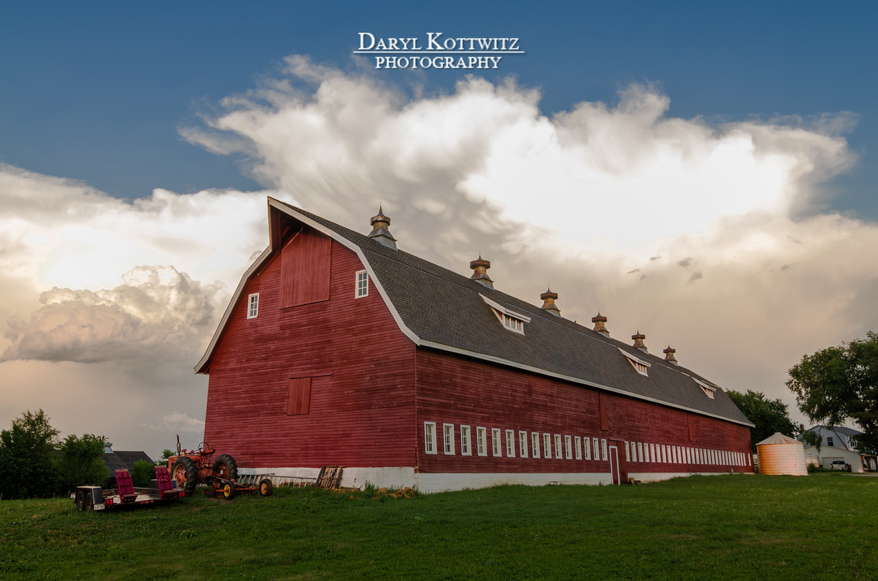 Ominous clouds appeared over Omaha a couple of afternoons ago.  This barn, which is located northwest of Omaha on Military Road, seemed to be well positioned with the interesting clouds as a backdrop.