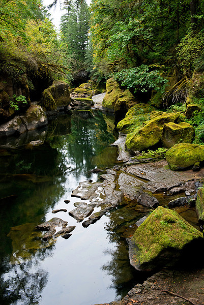 The Cascadia State Park ranger told us about this swimming hole on the South Santiam River east of Sweet Home on Oregon's Highway 20 (Newport to Bend through the Cascades) during mid morning of September 14, 2013.