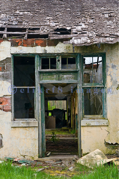 Northern State Hospital was a mental institution using patients to work in the farms in animal husbandry and crops. Now the site of a park, the outbuildings are slowly decaying and are being overcome by vegetation.